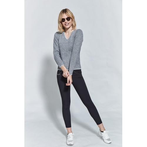 woman-pullover-nora-grey_studio1